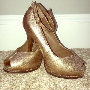 Bcbg platform rose gold heels